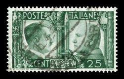ИТАЛИЯ - 16-ое апреля 1941: Итальянская историческая печать: Немецк-итальянское братство в оружиях, портретах Гитлер и Mussolini  стоковые фотографии rf