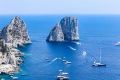 Италия Остров Капри Горная порода Faraglioni Стоковое Изображение