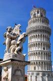 Италия полагаясь башня pisa Стоковые Фотографии RF