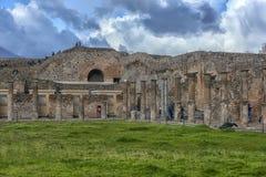 Италия, Помпеи, руины столбцов 02,01,2018Ancient после erup Стоковая Фотография RF