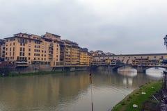 Италия, Флоренс, 03,01,2018 золотой мост Стоковые Фотографии RF