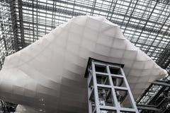 Италия rome 14-ое апреля 2018 Здание архитектуры облака современное Стоковое Изображение RF