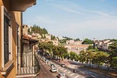Италия verona Пейзаж с рекой Адидже и Ponte di Pietra на s Стоковое Изображение RF