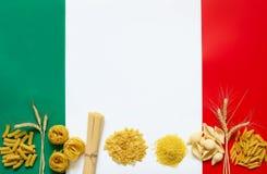 Итальянские ингридиенты макаронных изделия Стоковые Фото