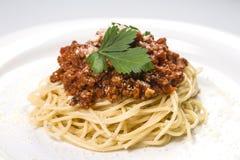 Итальянские макаронные изделия спагетти с говядиной и томатным соусом bolognese Стоковое Фото