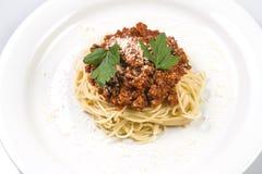 Итальянские макаронные изделия спагетти с говядиной и томатным соусом bolognese Стоковые Изображения RF