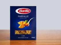 Итальянские макаронные изделия farfalle стоковые фото