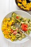 итальянские макаронные изделия omlette стоковые фотографии rf