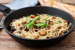 Итальянские свежие макаронные изделия Стоковая Фотография RF