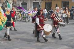 Итальянские средневековые барабанщики Стоковые Фото