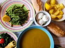 Итальянский вегетарианский обед с местными продуктами Стоковая Фотография RF