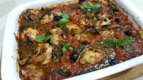 Итальянский сотейник цыпленка испеченный в печи стоковое изображение rf
