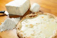 Итальянский экстренныйый выпуск пиццы Стоковое Изображение RF
