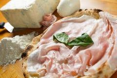 Итальянский экстренныйый выпуск пиццы Стоковые Фото