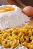 итальянский tortellini макаронных изделия мяса Стоковое Изображение