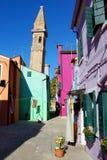 Италия, Венеция, остров Burano, яркий фасад Стоковые Фотографии RF