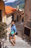 Италия, молодое womanin Scilla Стоковая Фотография RF