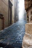 Италия Сицилия Caltagirone - типичный переулок - городок и comune стоковое фото rf