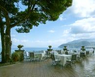 Италия Уютный ресторан на набережной Стоковое фото RF