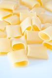 Итальянка вызвала макаронные изделия которые сделаны к gragnano, Италию paccheri стоковые фотографии rf