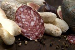 Итальянка Salame - сух-вылеченная сосиска стоковые фотографии rf