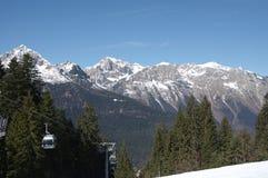 Итальянская зима 14 снега andalo горных вершин Стоковая Фотография RF