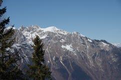 Итальянская зима 10 снега andalo горных вершин Стоковое Изображение