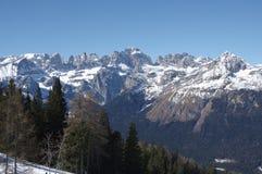 Итальянская зима 9 снега andalo горных вершин Стоковая Фотография