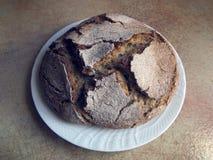 Итальянская кухня - домодельный черный хлеб Стоковое Изображение RF