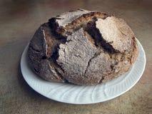 Итальянская кухня - домодельный черный хлеб Стоковые Фото
