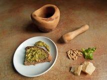 Итальянская кухня - pesto генуэзский Стоковая Фотография RF