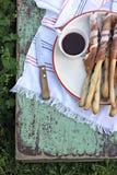 Итальянские ручки хлеба grissini ветчины ветчины Стоковая Фотография RF