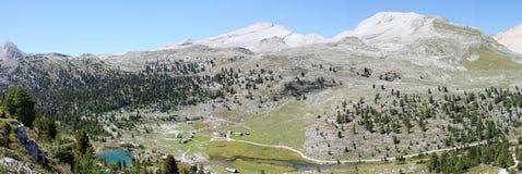 Итальянский ландшафт горы в природном парке Dolomiti FANES Стоковое Изображение RF