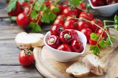 Итальянский горячий заполненный перец с каперсами и тунцом Стоковое Фото