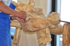 Итальянский деревянный гравер на работе Стоковое Изображение