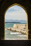 Итальянский красивый пляж в Сицилии, туристском месте, временени Стоковые Фотографии RF