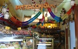 Итальянский магазин хлебопекарни Стоковое фото RF