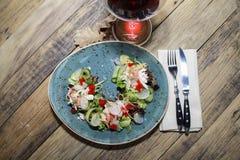 Итальянский салат в ресторане Стоковые Фотографии RF