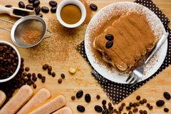 Итальянский торт tiramisu Ингридиенты для делать совершенный des сыра Стоковые Изображения RF