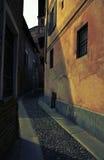 Итальянский узкий переулок Стоковая Фотография RF