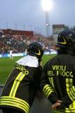 2 итальянских пожарного с написанными ПОЖАРНЫМИ Стоковое Фото