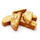 Итальянское печенье cantuccini с завалкой миндалины белизна изолированная предпосылкой Стоковые Изображения