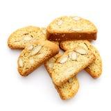 Итальянское печенье cantuccini с завалкой миндалины белизна изолированная предпосылкой Стоковое Фото