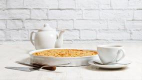 Итальянское crostata с завалкой апельсина и яблока Стоковое Изображение RF