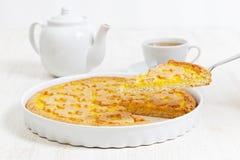 Итальянское crostata с завалкой апельсина и яблока Стоковая Фотография