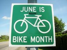 Июнь дорога месяца велосипеда поет стоковые фотографии rf