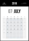 Июль 2018 Минималистский календарь стены Стоковая Фотография RF
