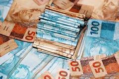 50 и 100 бразильских примечаний денег Стоковые Фото