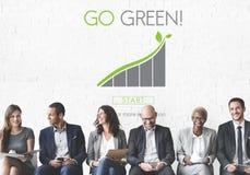 Идет зеленая концепция Eco природных ресурсов консервации стоковое фото