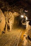 Идет старая покинутая шахта Стоковые Изображения RF